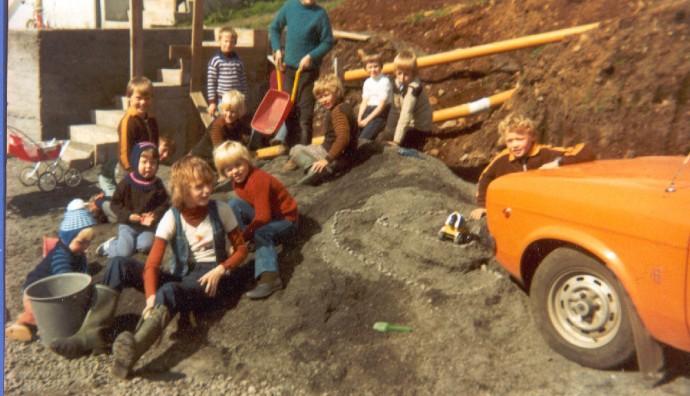 Børn vesturi í Bø fyrst í 1980unum