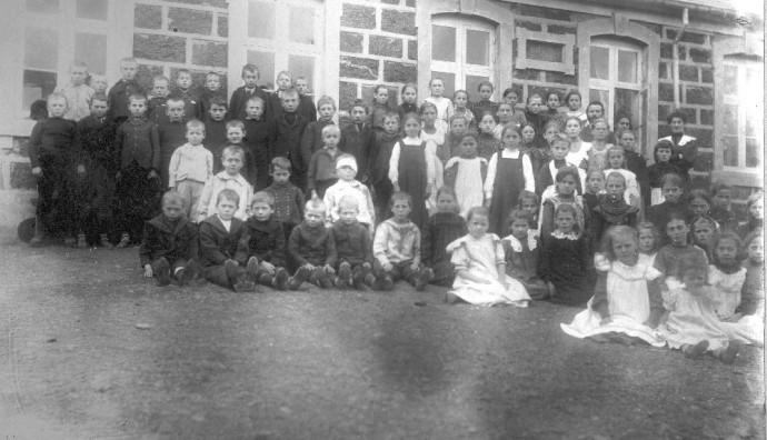 Skúlabørn í 1904