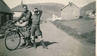 Bjarni og Árni Skaalum