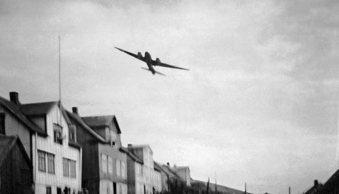 Týskt flogfar bumbaði í Vági 4. februar 1942