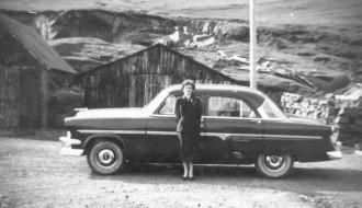 Ingrid Michelsen við neystini á Eiðinum