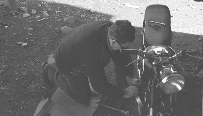 Arbeiðir uppá motorsúkluna