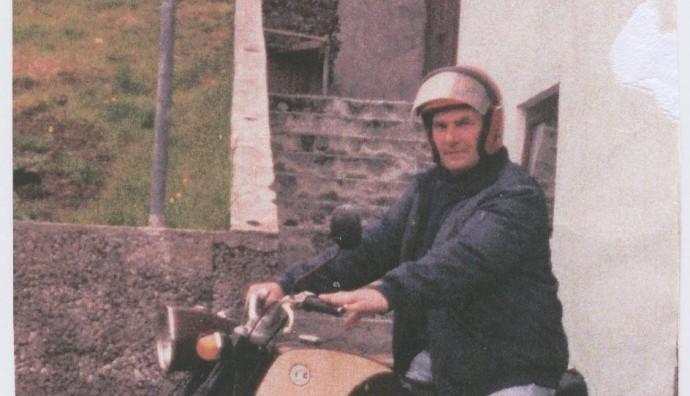 Petur Jacobsen á motorsúklu
