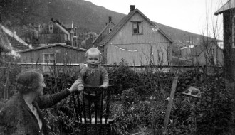 Í garðinum við Hvanndalsá
