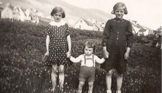 Børn í bønum í 1940