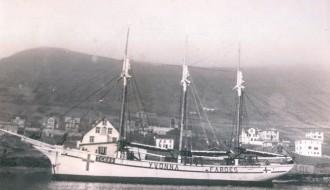 Yvonna TG 699 við kei í Vági