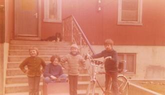 Smádreingir vesturi í Bø fyrst í 1970unum