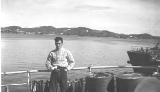 Anton Petersen umborð á Vágbingi í 1961