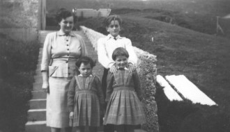Í Toftum í umleið 1955