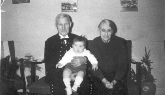 Sandur Bóndi, Sørin og Marinnna
