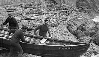 Bátur flotaður á Vágseiði