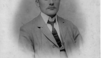 Petur Dahl, 1. borgarstjóri í Vági