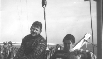 Pauli og Bent umborð á Vágbingi
